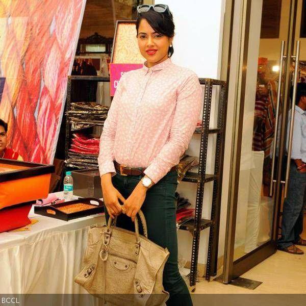 B'wood actress Sameera Reddy during Araish charity exhibition, held in Mumbai, on October 8, 2013.