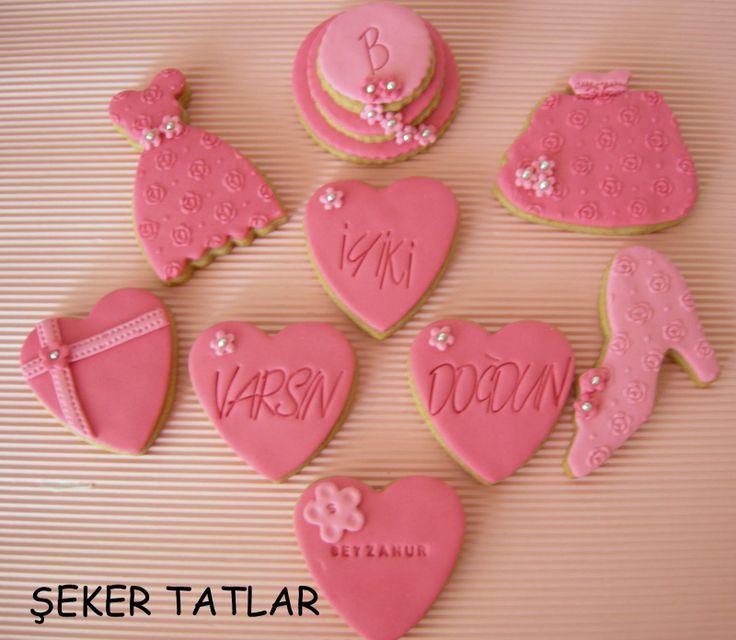 Bayanlara özel temalı doğum günü kurabiyeleri...