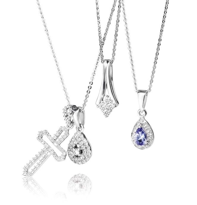 9ct Diamond Pendants  From left: R2,587, R2,990, R2,587 and R1,495  *Prices Valid Until 25 Dec 2013