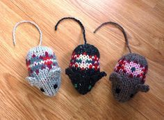Fair Isle Mice - free knit pattern. EEEEK! How cute! You could make them for kids to play with, or fill them with Catnip and let your cats have fun. :)