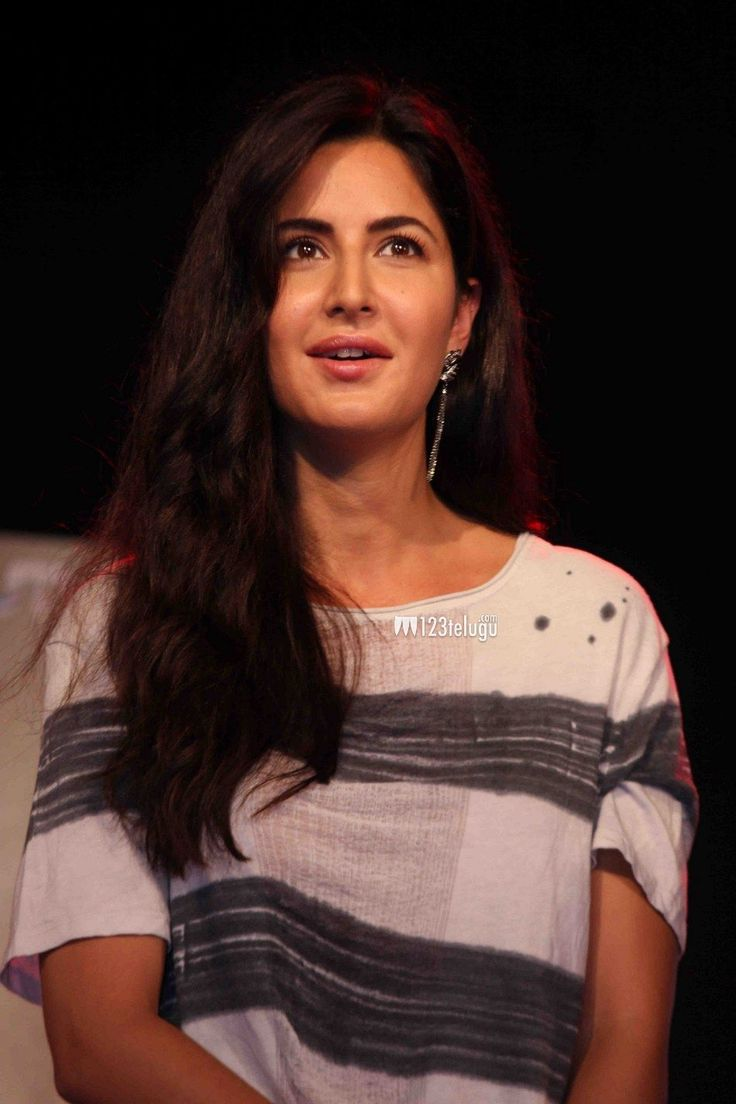 Katrina sale usa Kaif tiger onitsuka New Photos
