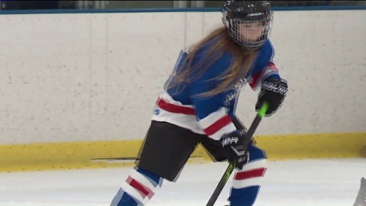 More girls are stepping into the rink, joining youth hockey leagues – WGN-TV