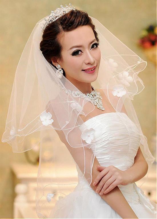 Gorgeous Tulle Ivory One-layer Wedding Bridal Veil