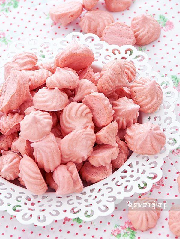 Różowe mini bezy #najsmaczniejsze #bezy #róż #deser #Meringue #roses #dessert #food