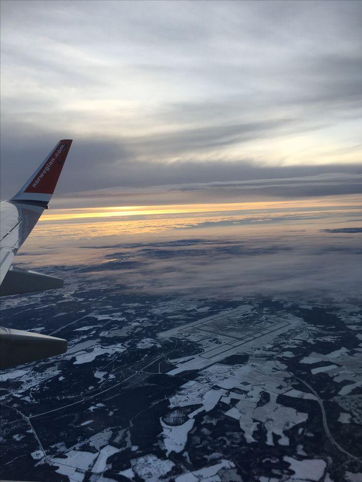 Jeg må reise med fly for å komme til Sandnes .