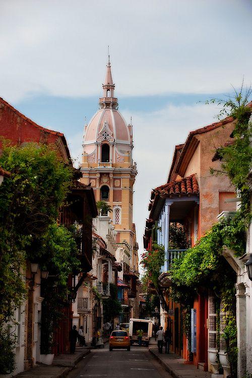 Sidestreet, Cartagena, Colombia photo via liwlig