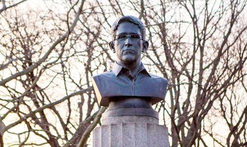 Τοποθέτησαν προτομή του Έντουαρντ Σνόουντεν σε πάρκο της Νέας Υόρκης | TVXS - TV Χωρίς Σύνορα