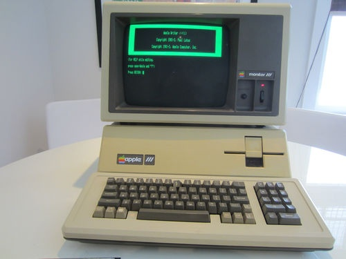 Apple III.
