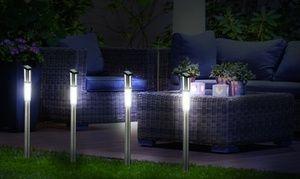 Groupon - Jusqu'à 12 bornes LED solaires en acier inoxydable hauteur 70 cm dès 17,90€. Prix Groupon : 17,90€