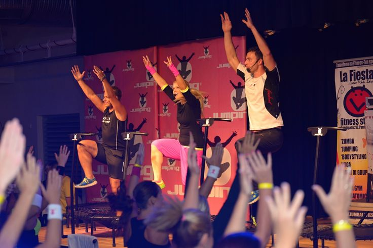 Jumping Fitness party.