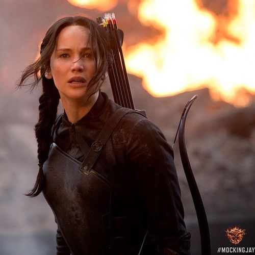 The emotions on Katniss' face are heartbreaking in this latest still. #Mockingjay