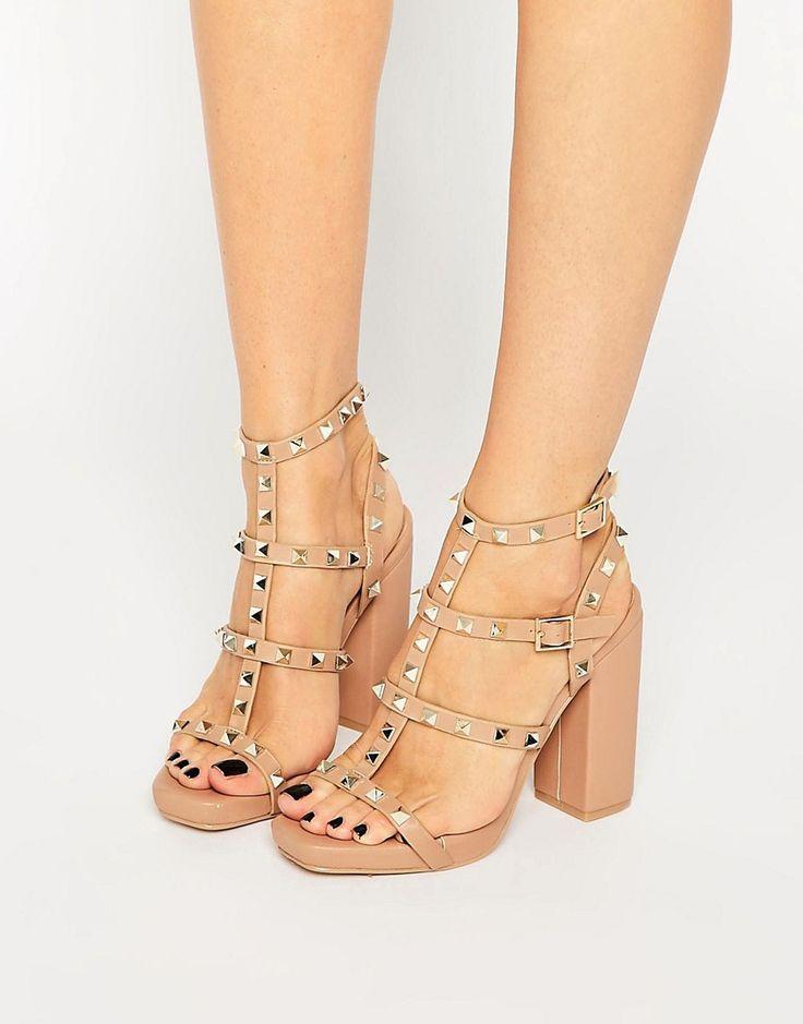 ASOS - Missguided Studded Block Heel Sandal ------------------- 46.67€