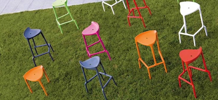 Throw a party and let your guests feel happy as they sit on the Happy stackable bar stool. It's light, sturdy, and has rainbow coloured variations.