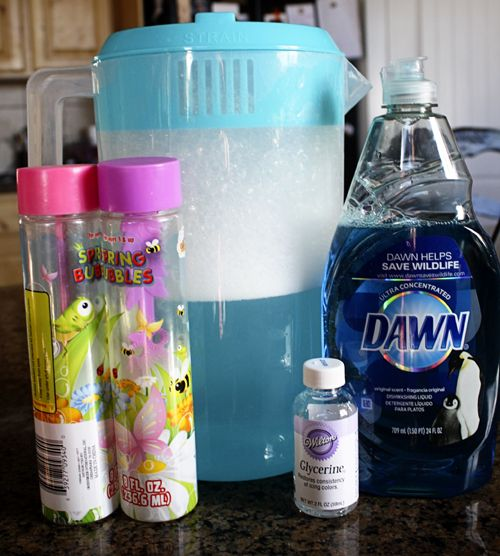 Recipe for super bubble solution using Glycerin, water and Dawn detergent with no additives.