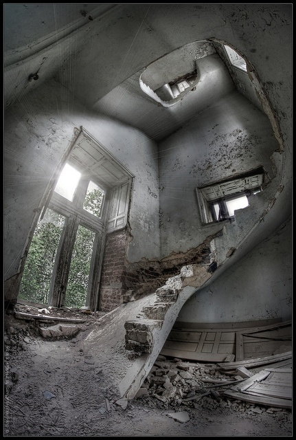 deserted places definition How to describe a deserted place i am writing a scary story and the set is the school, i need phrases describing the deserted surrounding of the school follow.