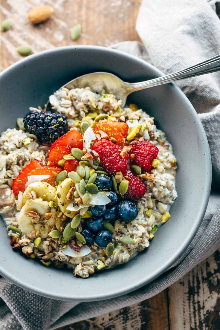 10 Breakfast Bowl Recipes to Make This Weekend | The Everygirl