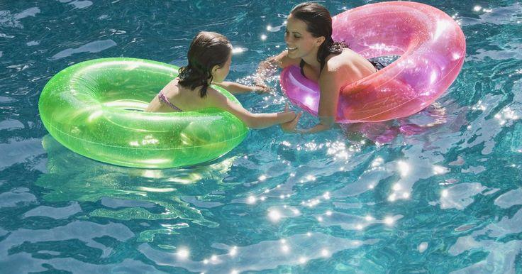 Clareadores de piscina realmente funcionam?. Se você tem uma piscina, sabe que a aparência da água é importante. Ninguém quer nadar em uma água turva e sombria. Você fará o que for necessário para trazer de volta à sua piscina um aspecto claro e limpo, que é a função do clareador. Vários clareadores de piscinas no mercado ajudarão a fazer com que a sua piscina brilhe uma vez mais. Esses ...