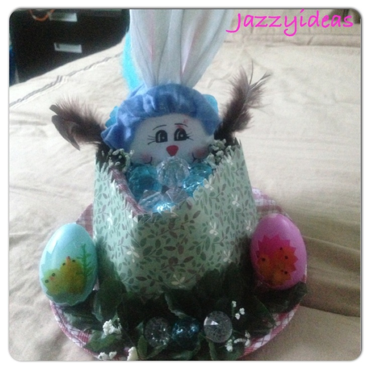 Easter hat, bunny, eggs, by hand, crafts, kids, by  Jazzy ideas. Sombrero de pascuas.