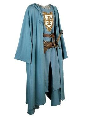 ropa de chico en la epoca medieval.