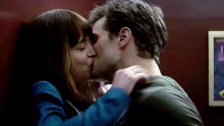 "PHOTO: Dakota Johnson as Anastasia Steele and Jamie Dornan as Christian Grey in the ""Fifty Shades of Grey"" trailer.http://www.daivly.weonea.com/catalogue/44026/"
