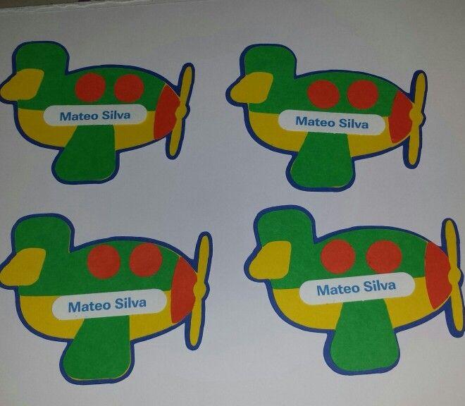 tarjetas  personalizadas para regalo, realizadas en cartulina, la forma la escoges tu y los colores, estamos para ayudarte