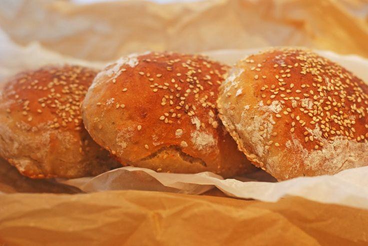 LILLIANs MATBLOGG: Eltefrie hamburgerbrød med rug (kort hevetid)