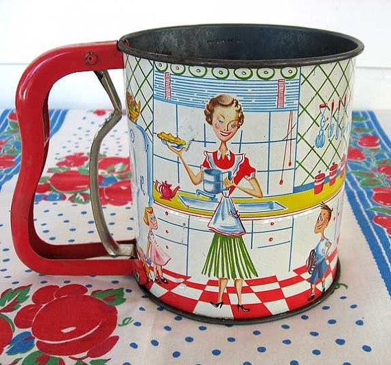 1950 Vintage Handisift Kitchen Flour Sifter,  Mom and the Kids in the Kitchen Scene, Fifties, Great Condition