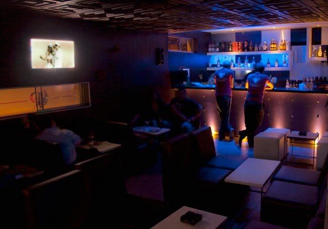 Persepolis Video pub. Agradable y pequeño local adjunto a las discoteca.      San Martin de Porres, Lima, Perú
