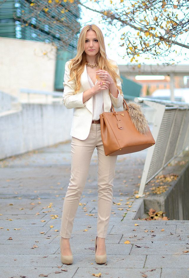 Gorgeous pastel color office outfit.