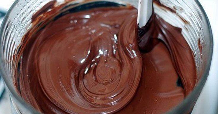 3 recepty na nelámavé čokoládové polevy | Čarujeme