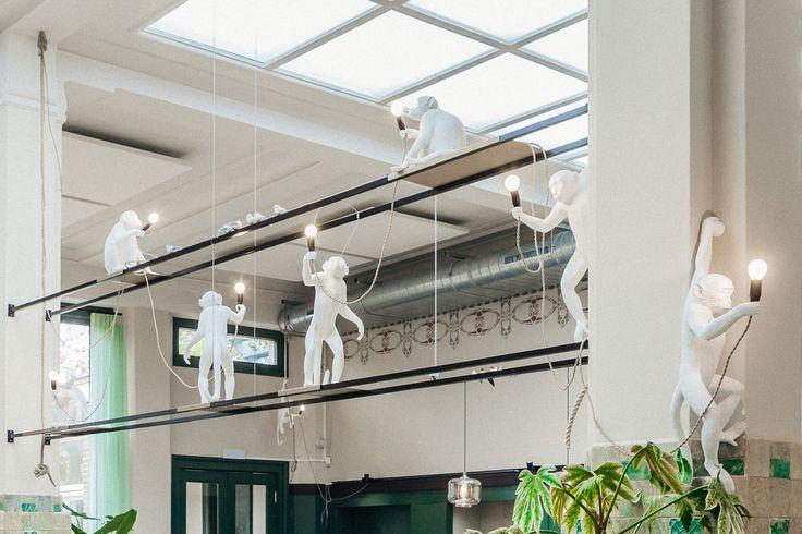 Monkey Light van Seletti in  Huis Roodenburch Dordrecht. Interieurontwerpers Jolanda Branderhorst & Esther Canisius.