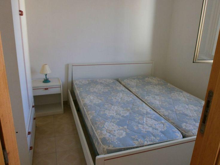 Dieci metri dal mare - Torre Melissa, Calabria, KR, affitto un appartamento con due camere letto, soggiornocucina, bagno e terrazzo enorme. Inserito nel Condominio AZZURRO a 10 metri dalla spiaggia. Mare pulitissimo, bandiera blu anche quest'anno, spiagge libere e non affollate.  - http://www.ilcirotano.it/annunci/ads/dieci-metri-dal-mare/