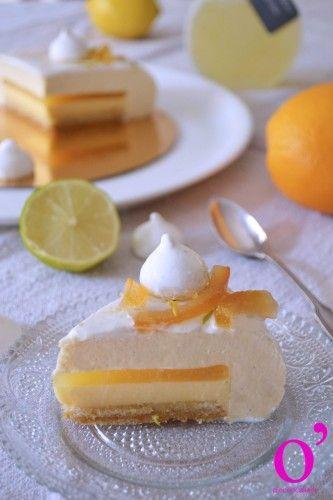 Entremets douceur d'agrumes - Crémeux aux agrumes, confit orange et citron, mousse à la vanille bleue et streusel noisette orange                                                                                                                                                                                 Plus