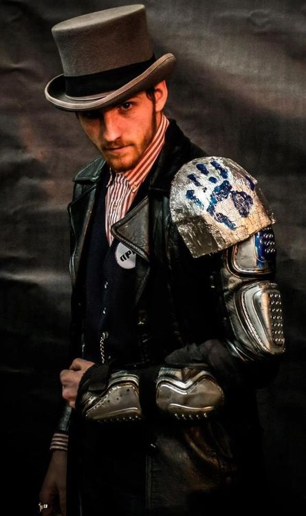 So you probably know what Steampunk is by now ( And if you don't then definitely check this article out! ). But whatabout Steampunk fashion? In this post we'll