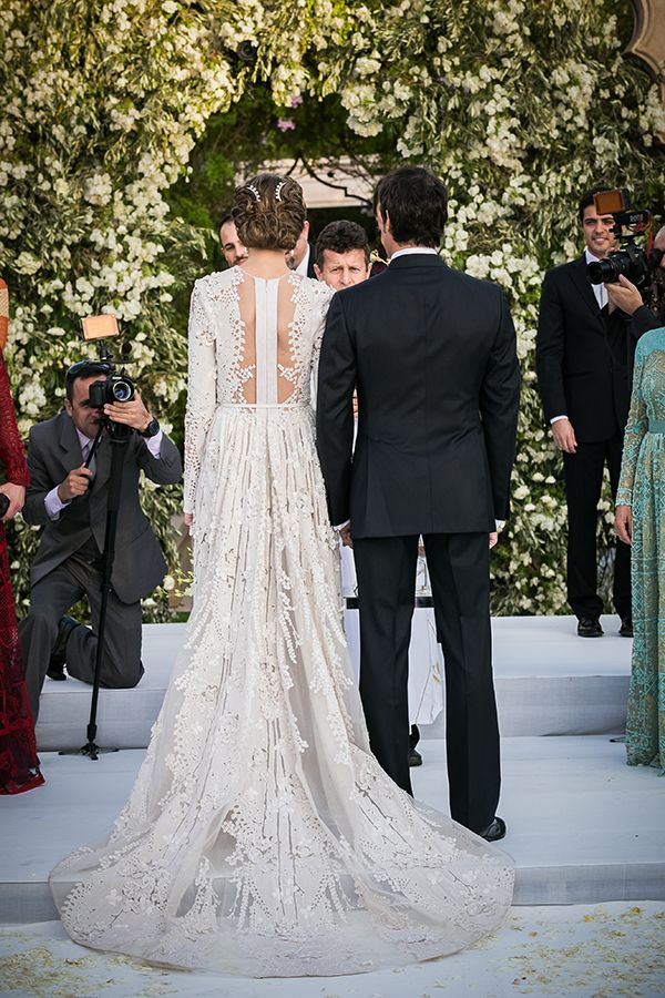 ok, so I believe this is Elie Saab and probably a billion dollars, but wow.