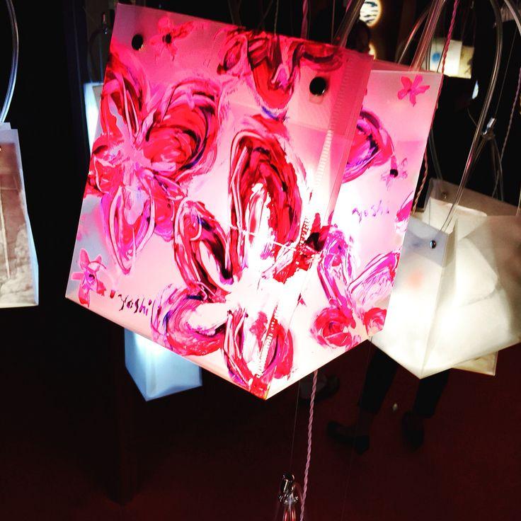 #art #Light bulbs http://www.artistyoshi.com