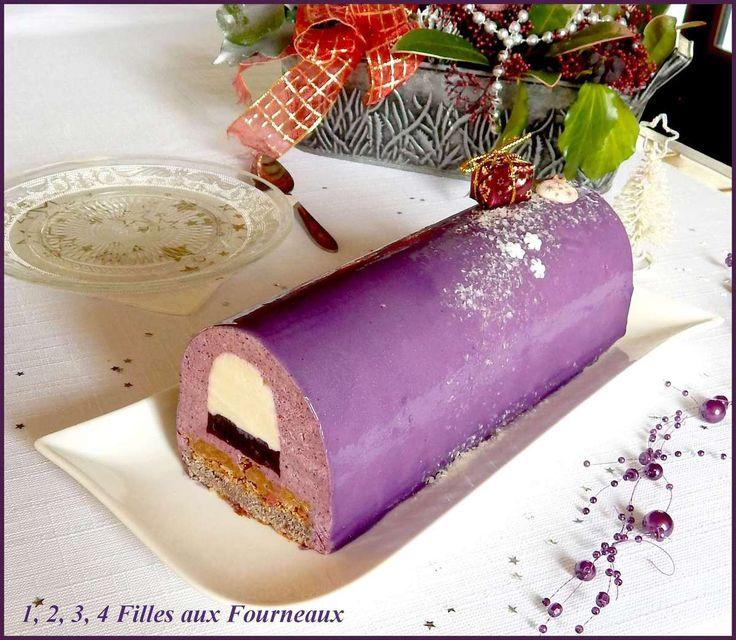 Bûche  Myrtille - Chocolat blanc  (Ma préférée !!!)