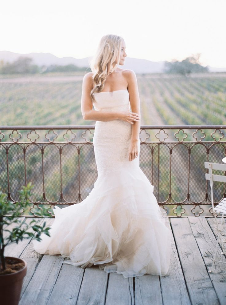 Mermaid gown: http://www.stylemepretty.com/2015/08/30/style-me-prettys-wedding-dress-silhouettes-101/