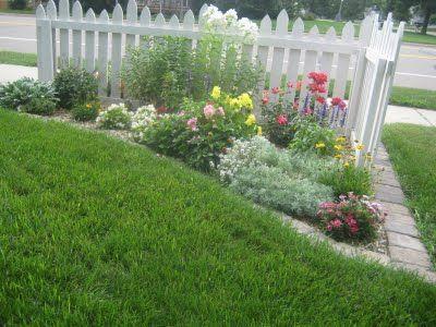 8 best corner fence ideas images on pinterest gardening for Garden flower bed fencing