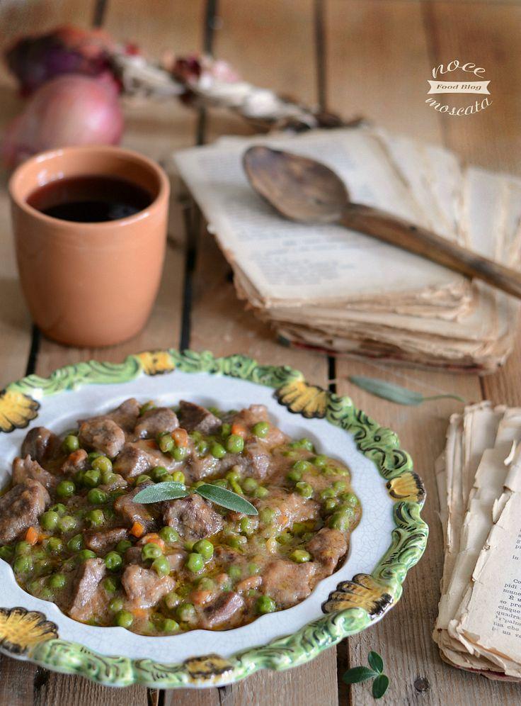 Spezzatino con piselli   food photography