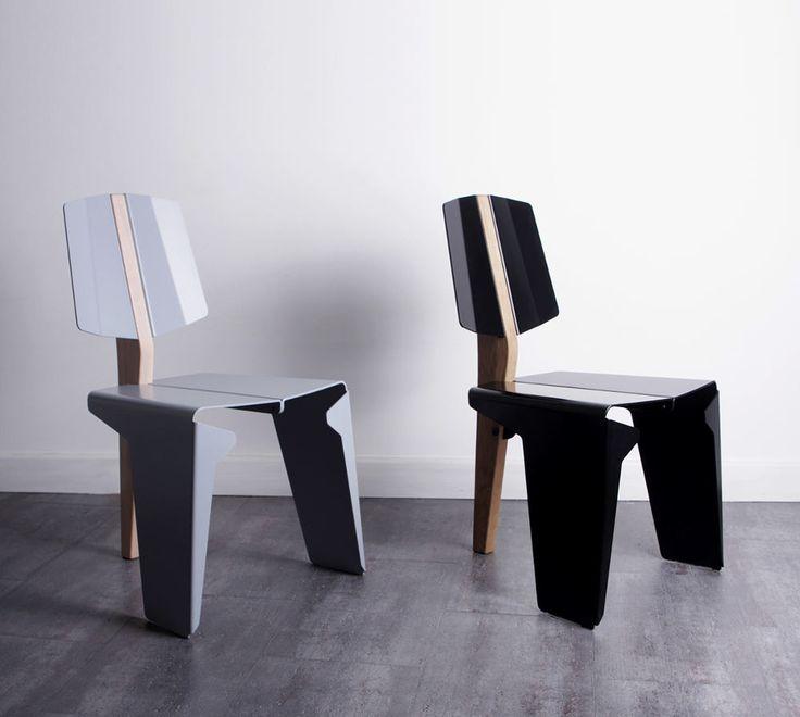 Kobuz chaise bois métal par Wo Mierzwa