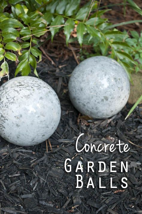 DIY Concrete Garden Balls - So easy and fun!