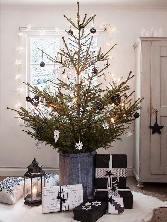 1000 ideas about small christmas trees on pinterest for Decoration zinc