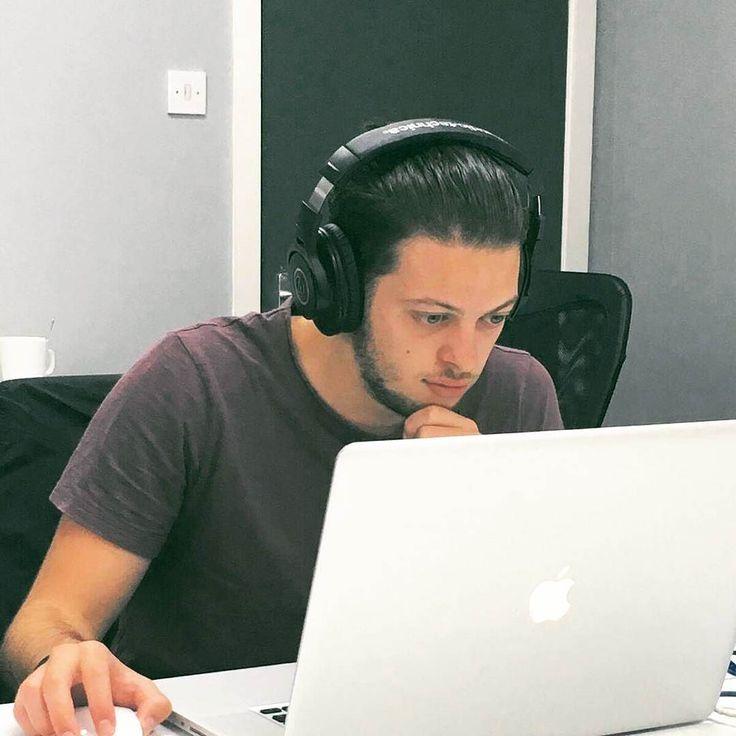 Do you remember Lydin? He's halfway through his #internship producing #Elearning #videos & he's doing a great job so far!  #erasmusLife #erasmusplus #Video #Production #GreenScreen #Filming #Editing #mac #apple #Student #job #UK #travel #Malta #internshipabroad #goals #adventure #time #challenge #internet #marketing #social #media #design #macbook