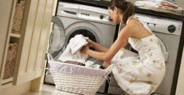 Αυτό είναι το κόλπο για να γίνουν μαλακά τα ρούχα σας μετά το πλύσιμο