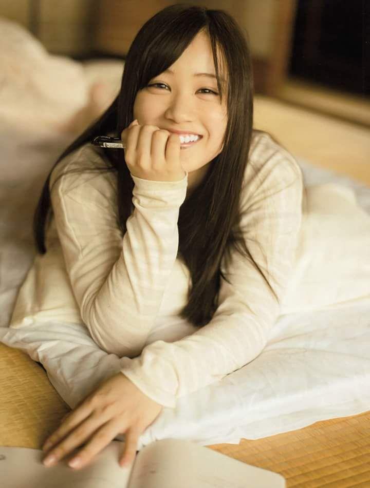 Nogizaka46 (1ra gen): Hoshino Minami.