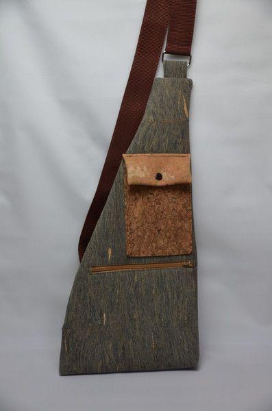 Umhängetaschen - Umhängetasche Kork - ein Designerstück von StoffAttitude bei DaWanda zu kaufen unter:  http://de.dawanda.com/product/101309135-umhaengetasche-kork
