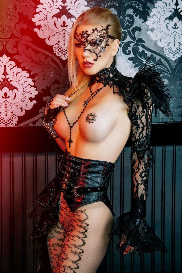 Female Side : Foto: