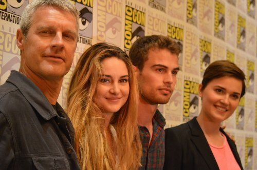Divergent movie cast @Leonie Pich-con   (From left to right: Director Neil Burger, Shailene Woodly (Tris), Theo James (Tobias a.k.a. Four), Veronica Roth Source: IMBD)