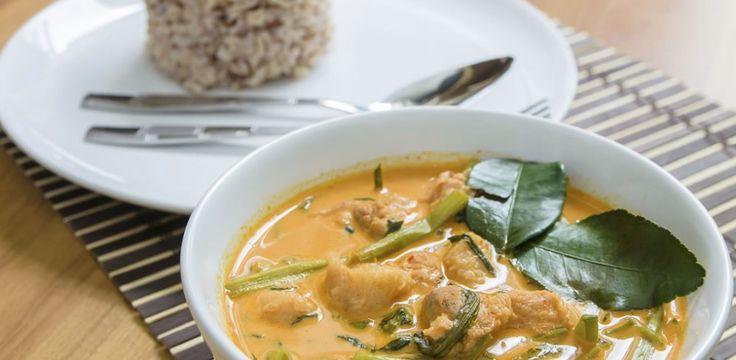 La cuisine thaï a le vent en poupe. Saine, savoureuse et très parfumée, elle met à l'honneur le lait de coco, le citron vert, la citronnelle...